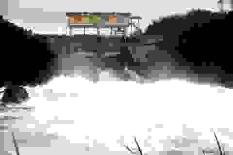 3 người chết do mưa lũ, các hồ chứa giảm lưu lượng xả