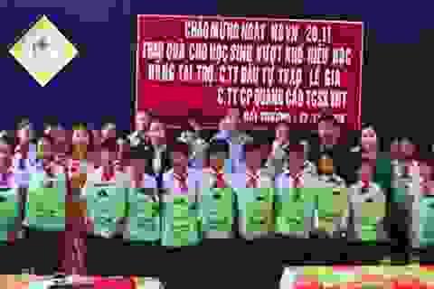 Quảng Trị: Trao tặng cặp sách, dụng cụ học tập cho học sinh nghèo hiếu học