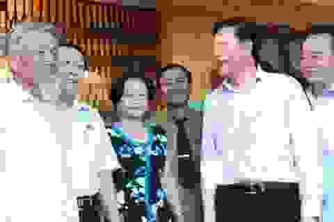 Bộ trưởng Phạm Vũ Luận: Cần có chính sách quan tâm, nâng cao chất lượng giáo dục miền núi