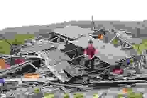 Quảng Trị: Lốc xoáy quét sạch hàng trăm mái nhà, thiệt hại tiền tỷ