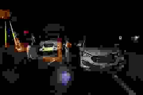 Tai nạn liên hoàn 3 xe ô tô, 1 người bị thương