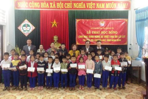 Quảng Trị: Chia sẻ khó khăn với học sinh bị thiệt hại do mưa, lũ