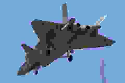 Trung Quốc thử nghiệm tiêm kích tàng hình J-20 số hiệu 2013
