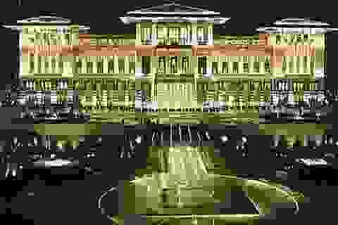 Thổ Nhĩ Kỳ: Cung điện xa hoa 1.000 phòng lại đội giá