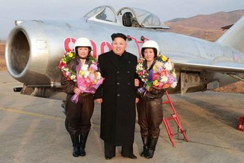"""Những máy bay chiến đấu """"cổ lỗ sĩ"""" trong không quân các nước"""