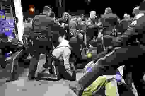 Người Mỹ lại biểu tình sau vụ cảnh sát bắn chết người da đen