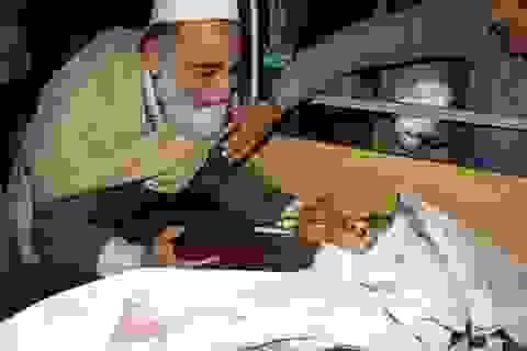 Thảm sát đẫm máu giữa trường quân sự Pakistan