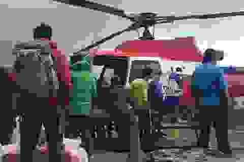 Trực thăng sơ tán 5 công dân Việt Nam bị mắc kẹt trên núi tại Nepal