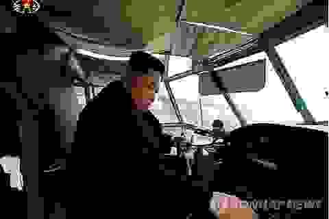 Lãnh đạo Triều Tiên đích thân lái máy bay