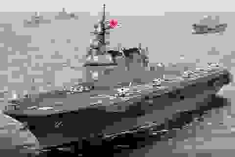 """Hải quân Nhật nhận tàu sân bay trực thăng """"khủng"""" Izumo"""