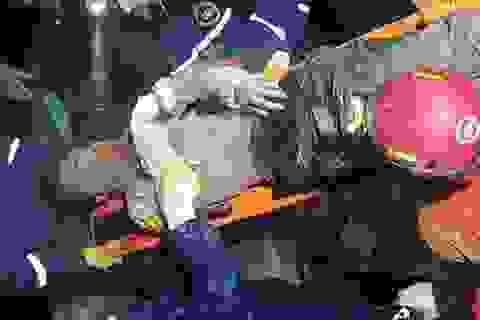 Cứu sống người đàn ông bị chôn vùi 2 ngày sau động đất