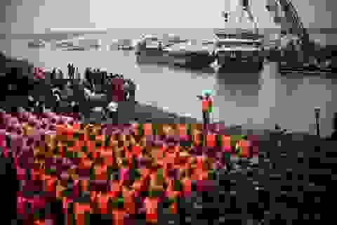 Cứu hộ Trung Quốc mặc niệm tưởng nhớ hơn 400 người thiệt mạng