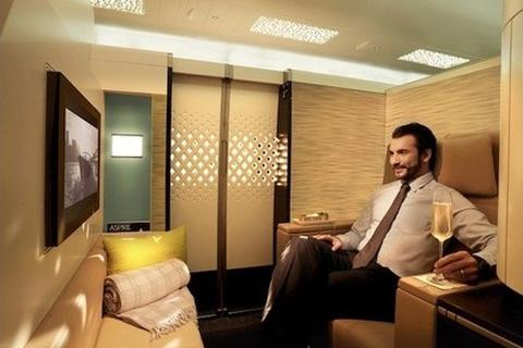 Cận cảnh khoang máy bay siêu sang có giá vé hơn 500 triệu đồng