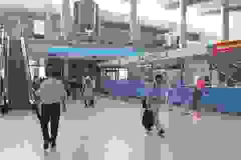 """Làm rõ việc nhiều khách Trung Quốc """"la ó"""" ở sân bay Cam Ranh"""