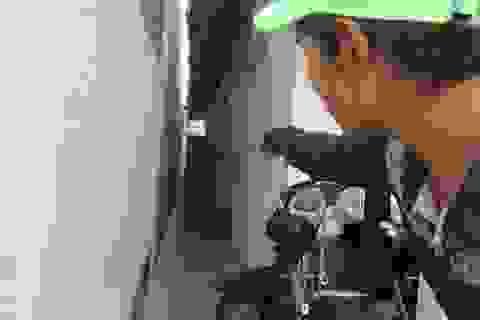 Cô gái trẻ bị sát hại trong phòng trọ ở Nha Trang lúc nửa đêm