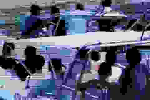 """Vụ tài công ca nô du lịch """"hỗn chiến"""" ở Nha Trang: Cảnh cáo 2 doanh nghiệp"""