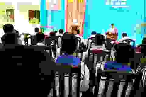 Học sinh ở Trường Sa háo hức trong lễ khai giảng năm học mới