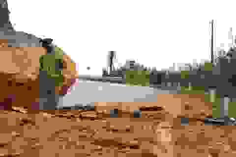 Sau 50 giờ bị chia cắt, đường Nha Trang - Đà Lạt vẫn chưa thông tuyến