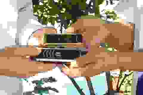 Tài xế taxi trả lại khách 2 điện thoại Vertu trị giá 40.000 USD