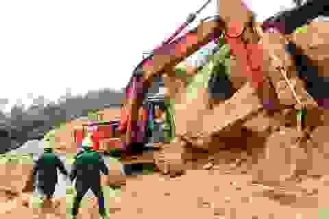 Hàng nghìn khối đất đá lại sạt lở trên đường Nha Trang - Đà Lạt