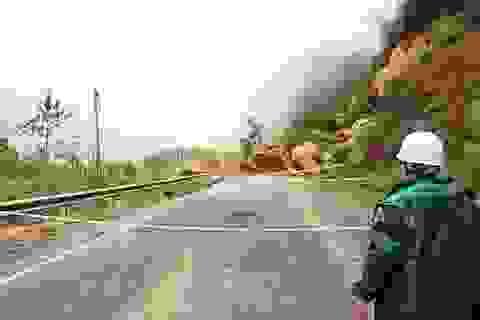 Thông đường Nha Trang - Đà Lạt sau một ngày đêm tê liệt vì sạt lở
