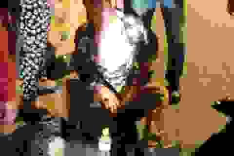 Vụ tài xế quỳ gối trên QL1A: Truy tìm 2 kẻ hành hung