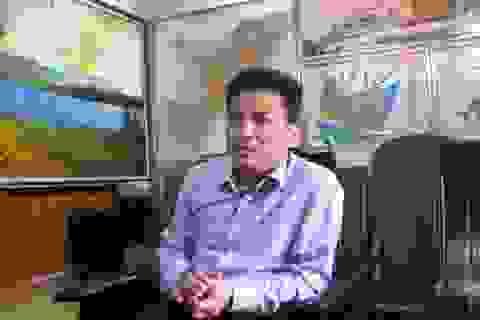"""Chủ tịch thị xã Sầm Sơn ký """"bừa"""" hợp đồng tuyển dụng lao động"""
