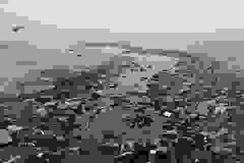 Những dòng nước đen hôi thối đổ thẳng ra biển Sầm Sơn