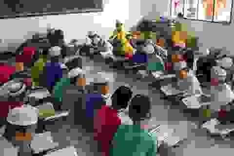Con em đồng bào Chăm được học tiếng và chữ viết của dân tộc mình