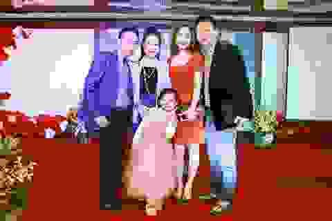 NSƯT Việt Hoàn kể về sự cố mất nhẫn cưới sợ vợ giận
