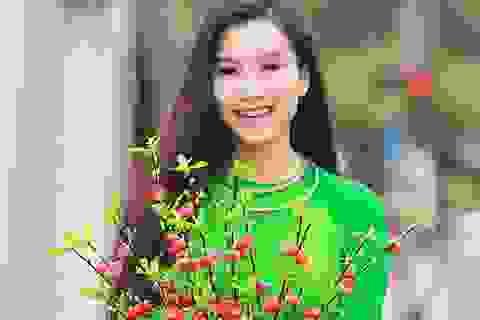 Diễn viên Lương Giang đi chợ hoa xuân Đông Ba - Huế