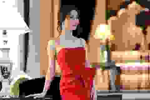 Diễm My 9X sành điệu với loạt váy hàng hiệu