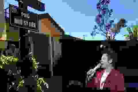 Bằng Kiều đặt biển tên phố Hà Nội cho khu vườn trên đất Mỹ