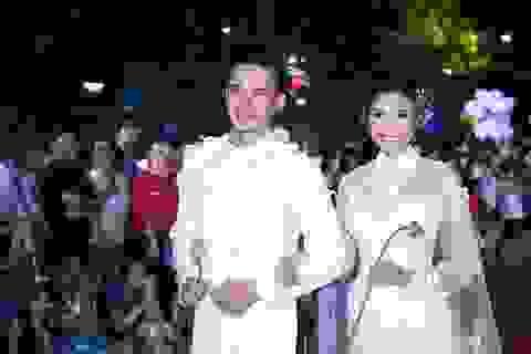 """Vợ chồng Thúy Diễm """"cưới lần 2"""" trên sàn catwalk dài nhất Việt Nam"""