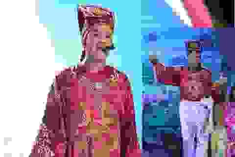 """Quang Thắng """"khoái chí"""" khi đàn em cover """"Hoang mang style"""""""