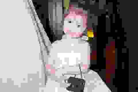 Cadie Mộc Trà đeo túi hiệu như siêu mẫu nhí trong sinh nhật 2 tuổi