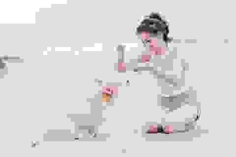 """""""Cô gái trà sữa"""" Việt đáng yêu trong bộ ảnh mới cùng thú cưng"""