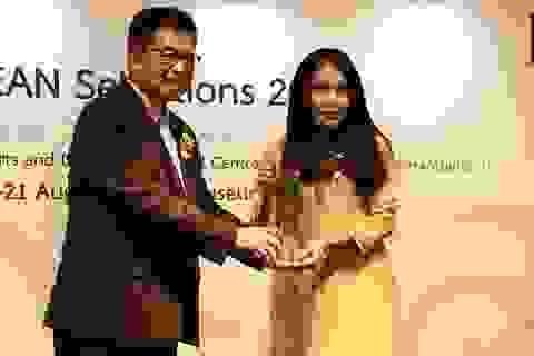 """NTK Minh Hạnh nhận giải thưởng """"Asean Selection 2016"""""""