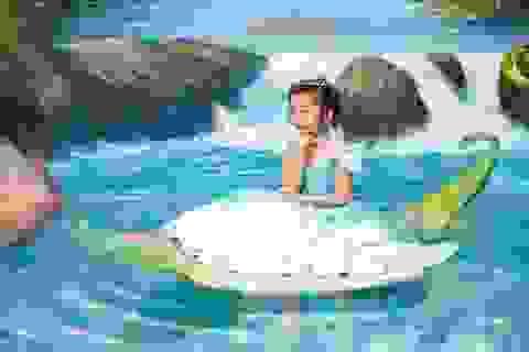 Con gái Hoa hậu Ngọc Diễm điệu đà như công chúa