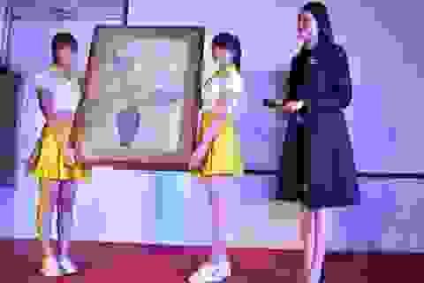 Á hậu Lệ Hằng đấu giá tranh được 500 triệu ủng hộ trẻ em khó khăn