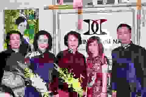 Đông đảo quan khách tham quan 38 gian hàng Festival Áo dài Hà Nội