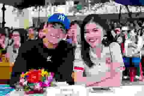 Á hậu Thùy Dung, Quang Đăng khuấy động sinh viên Ngoại thương TPHCM