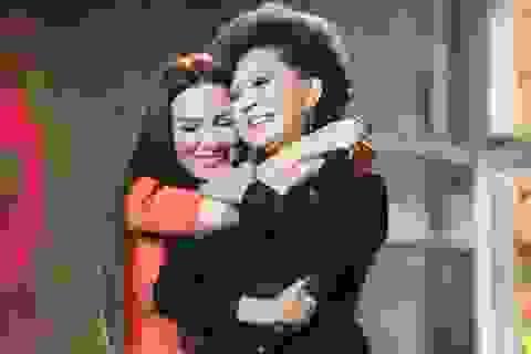 """Phi Nhung: """"Tôi hạnh phúc có mẹ nuôi chính là thần tượng"""""""