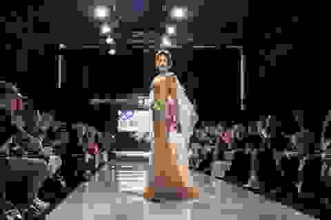 Tiết lộ hình ảnh Huyền My làm vedette tại Tuần lễ thời trang Malaysia