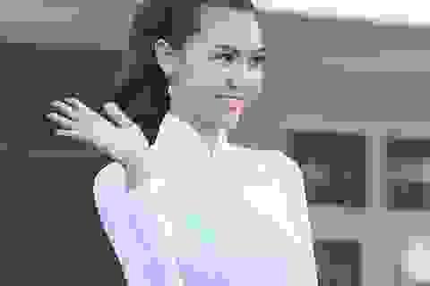 Hoa hậu Ngọc Duyên về thăm thầy cô giáo cũ nhân ngày 20/11