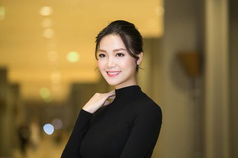 """Hoa hậu Thùy Dung: """"Tôi vẫn đang đợi tình yêu của đời mình"""""""