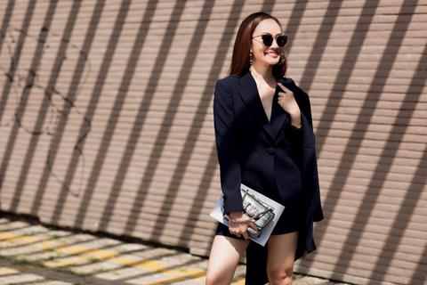 MC Kim Duyên khoe phong cách thời trang tựa nắng mai xuống phố