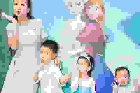 Ốc Thanh Vân dắt 3 nhóc tì đi chơi Giáng sinh