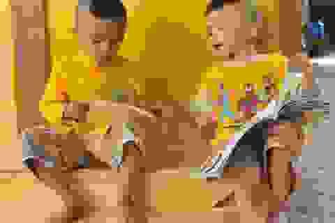 Hội cha mẹ Nhân ái tặng quà đến các bé họ Nhân ở Cần Thơ