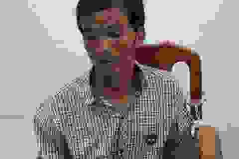 Trộm điện thoại còn giở trò tống tiền bị hại